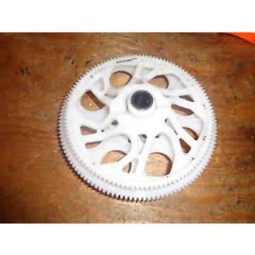 OUTRAGE VELOCITY 90 MAIN AND TAIL DRIVE GEARS WITH ONE-WAY BEARING